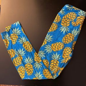 Lularoe leggings. Pineapples 🍍 OS